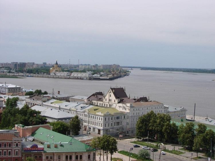 Слияние Волги и Оки в Нижнем Новгороде