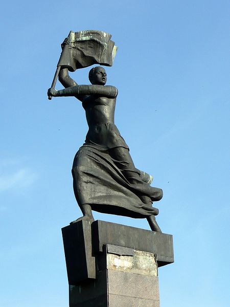 Александров. Памятник событиям 1905 года