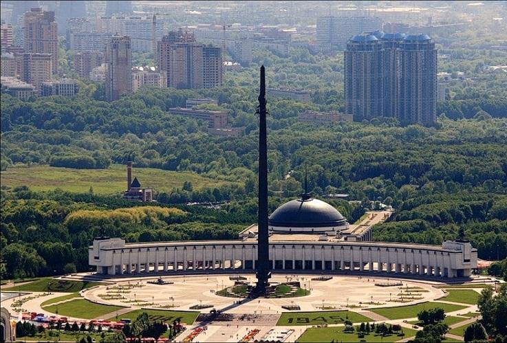 Площадь Победителей в Парке Победы
